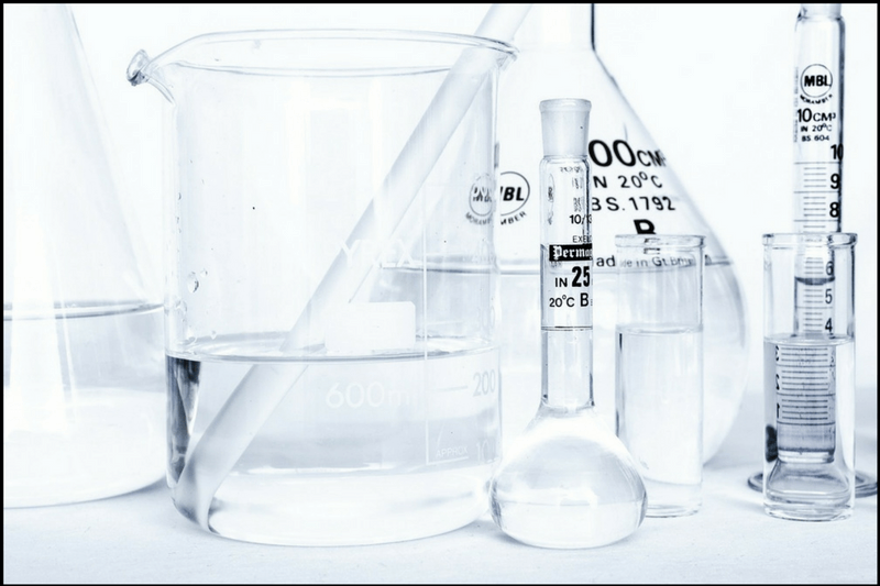 Co powinna zawierać karta charakterystyki produktu chemicznego - naczynia laboratoryjne