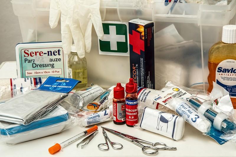 Co powinno znajdować się wapteczce pierwszej pomocy
